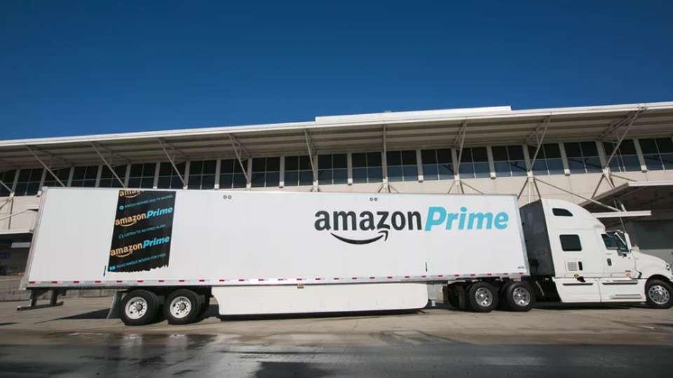 Camión de Amazon Prime