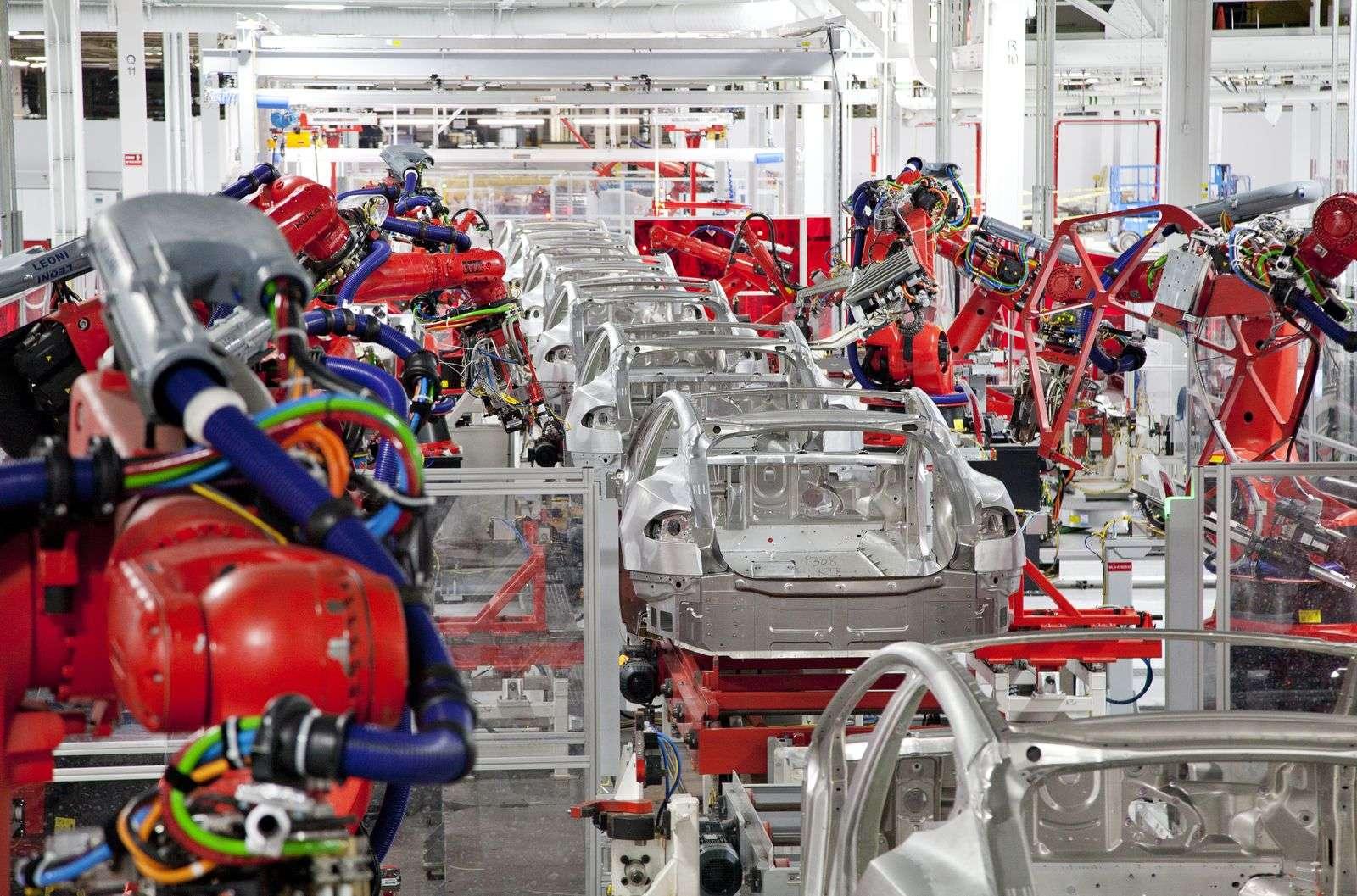 Robots de la fábrica de coches Tesla